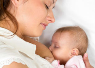 Коластрата – полезна и важна за бебето