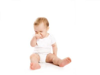 Причини за бебешката хрема – видове, симптоми и лечение