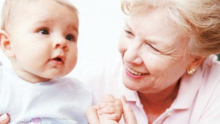 Съветите на баба в отглеждането на бебето