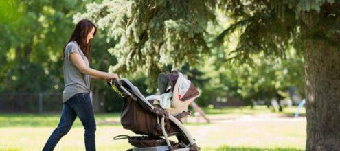 Първите разходки с бебето – полезни съвети